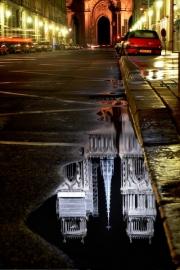 Reflet de la cathédrale (Orléans)