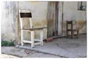 CUBA 2 chaises abandonnées